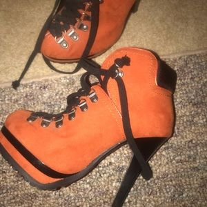 Fun orange suede like material lace up boots